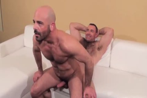 Muscle chap hammered raw By stylish hairy Daddy
